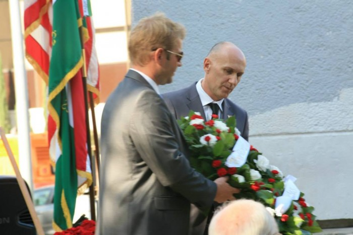 Consul General Mr. László Kálmán (without sunglasses) pays respect in Los Angeles...alongside pro-Jobbik band. He does not distance himself from the far right group.