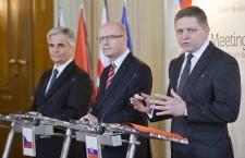 Federal Chancellor of Austria Werner Faymann (far left), Prime Minister  Bohuslav Sobotka of the Czech Republik, and Prime Minister of Slovakia Robert Fico in Slavkov on 29 January 2015.