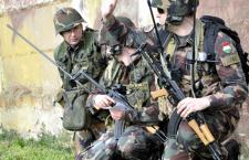 Hungarian soldiers undergo training. Photo: honvedelem.hu / Sándor Galambos.