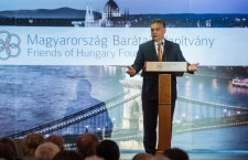 Viktor Orbán tells members and supporters of the pro-regime Friends of Hungary Foundation that dictatorial countries are more successful than democratic ones, and that the Foundation's members should continue sharing the Hungarian government's message with the world. Photo: Kormány.hu