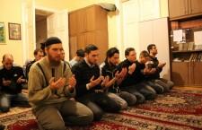 Muslim prayer in Budapest. Photo: Ahmed Miklós Kovács.