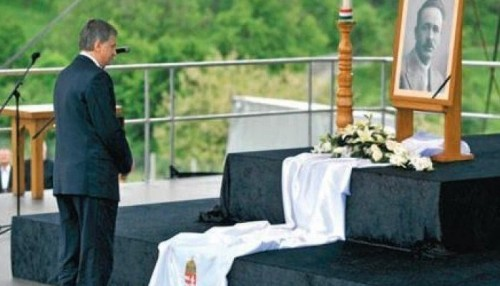 Mr. Kövér pays respect to fascist politician and anti-Semitic writer Mr. József Nyirő in 2012.