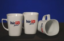 HírTV mugs. Half empty, or half full?