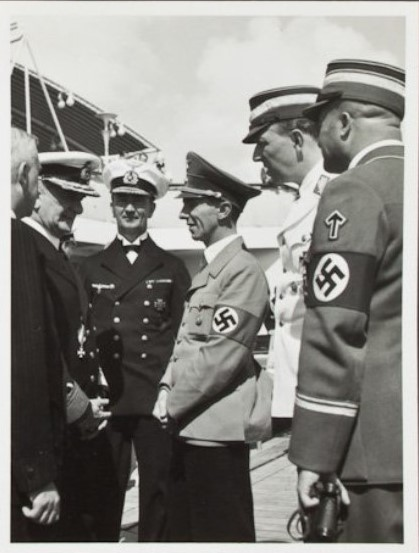 Horthy in discussion with Goebbels and top Nazis.