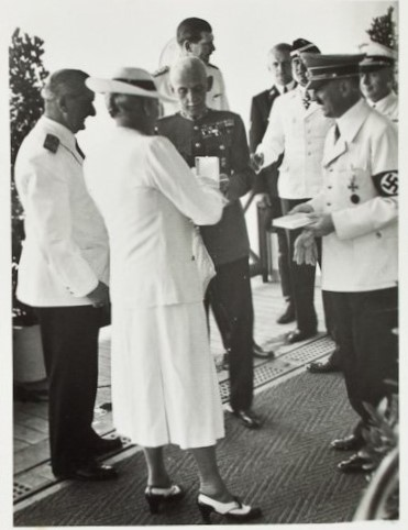 Horthy's wife and Horthy (left in white jacket) had friendly relations with Hitler.