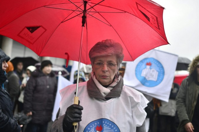 PSZ union leader Mrs. István Galló at Saturday's protest in Budapest. Photo: János Marjai/MTI.