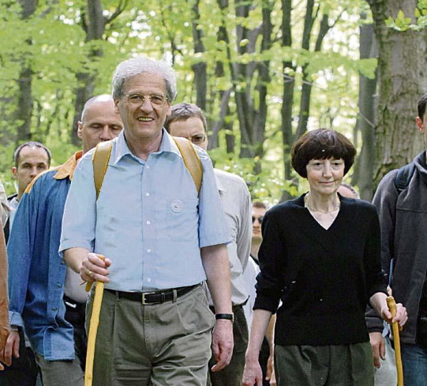 Hungary's former President, László Sólyom, seen in this MTI file photo hiking with his late wife, Erzsébet.