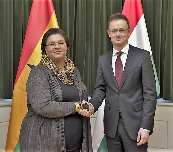Hanna Tetteh, foreign minister of Ghana and Péter Szijjártó, foreign minister of Hungary.