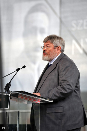 Junior Minister for Culture, Géza Szőcs, celebrates fascist author and politician József Nyirő.