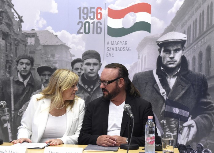 Mária Schmidt (left) with Desmond Child (right) at the Budapest House of Terror.  Photo: MTI.