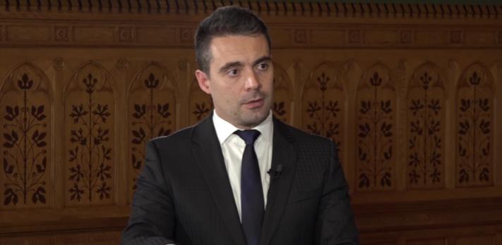 Screenshot of Gábor Vona in N1TV interview.