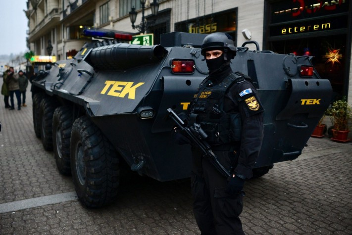 A tank in downtown Budapest on Tuesday. Photo: MTI.