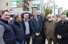 Bence Bitskey in the middle, with former Prime Minister Ferenc Gyurcsány to his right.