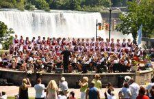 The Children's Philharmonic Orchestra of Szentegyháza at Niagara Falls.