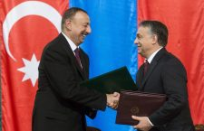Mr. Orbán and President Aliyev sign a strategic partnership in Budapest in 2014. Photo: MTI.