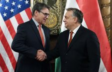 Ultimatum with a smile - U.S. Energy Secretary Rick Perry and Hungarian Prime Minister Viktor Orbán.