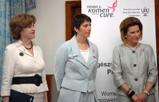 Ex-US Ambassadors Nancy Brinker (far right) and April Foley (far left) with Ms. Klára Dobrev current Vice President of the European Parliament.