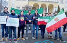 Iranian students protest in 2018 in front of the Iranian Embassy in Budapest against Teheran's Human Rights abuses.