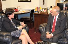 Ambassador Réka Szemerkényi (left) and Rep. Steve King in his Congressional Office